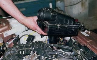 Воздушный фильтр ВАЗ 2112: где находится и пошаговый порядок замены детали своими руками, необходимые инструменты и рекомендации мастеров по выполнению работ