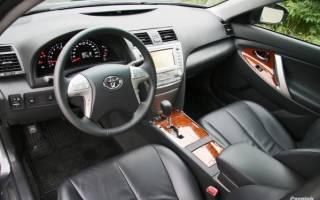 Колонки на Тойота Камри 40: особенности штатных и пошаговая инструкция по самостоятельной замене динамиков, рекомендации по установке и подключению